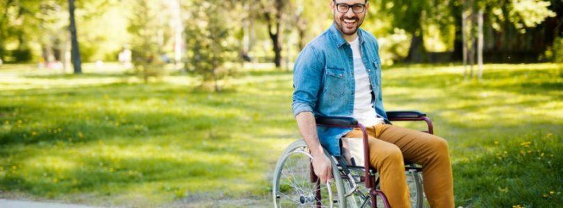 Wózek inwalidzki – lepiej kupić czy wypożyczyć?
